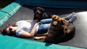 Samen met Lisa op de trampoline